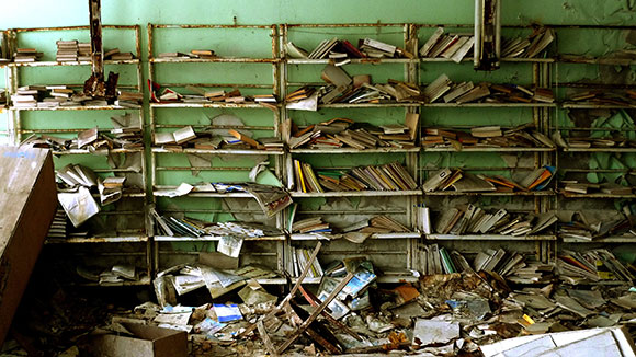 Abandoned-Shelves(580)